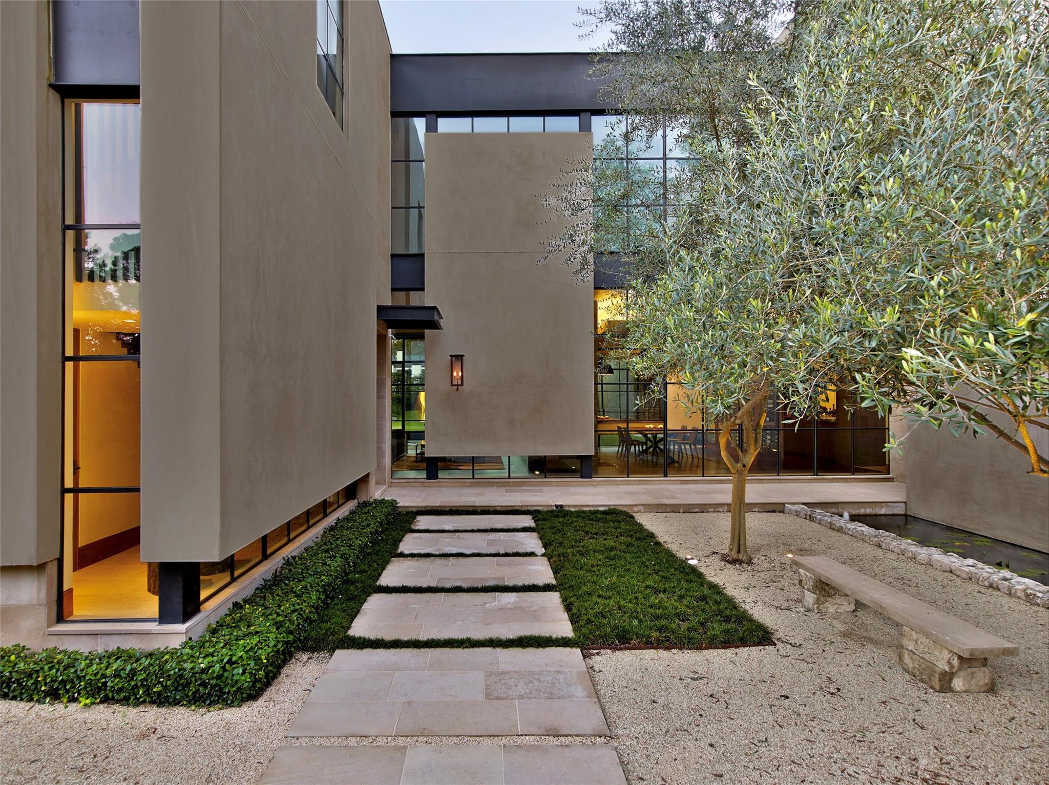 9111 Memorial Drive Property Photo - Houston, TX real estate listing