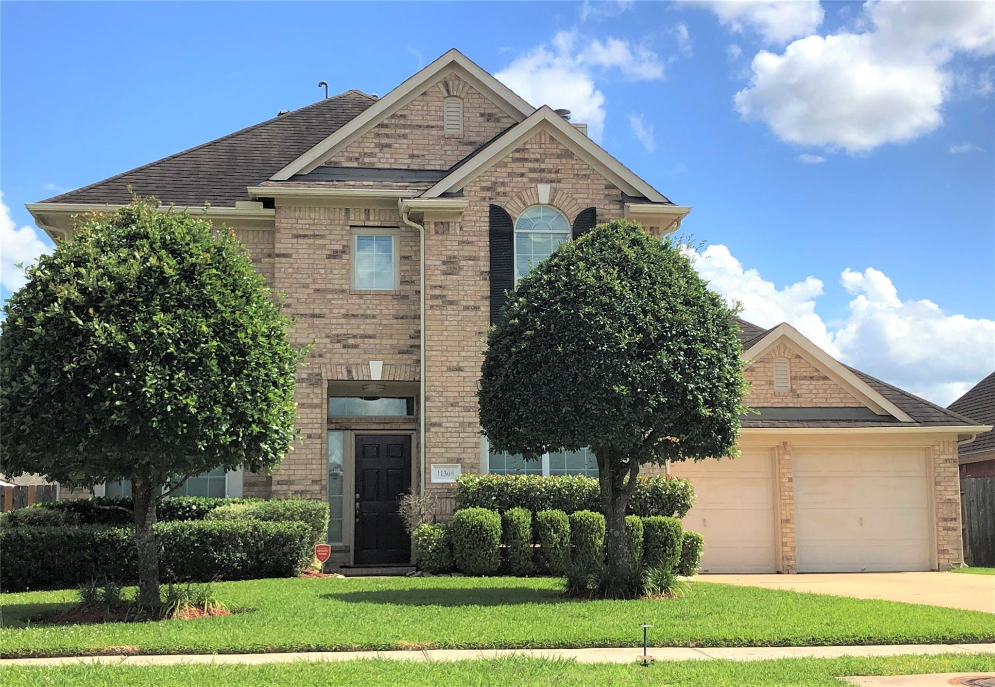 11308 Silver Bay Court Property Photo - Pearland, TX real estate listing