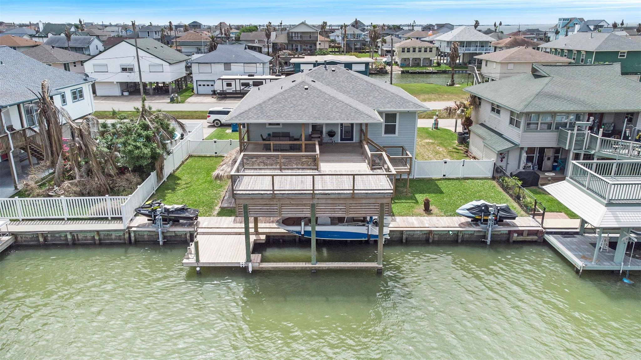 336 Ling Street Property Photo - Bayou Vista, TX real estate listing