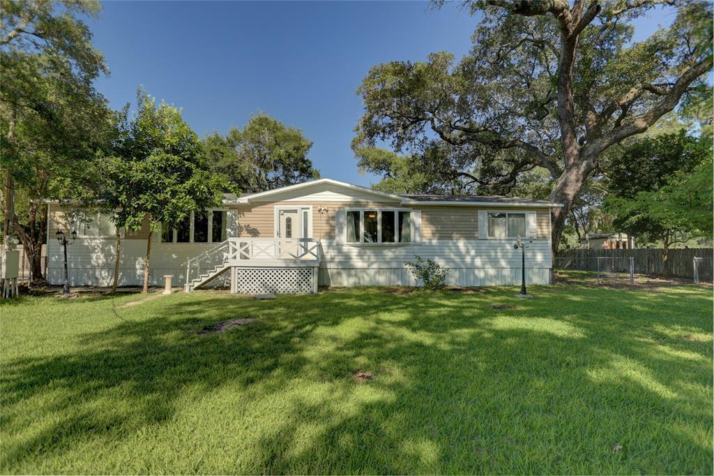2746 Shady Creek Lane Property Photo - Oyster Creek, TX real estate listing