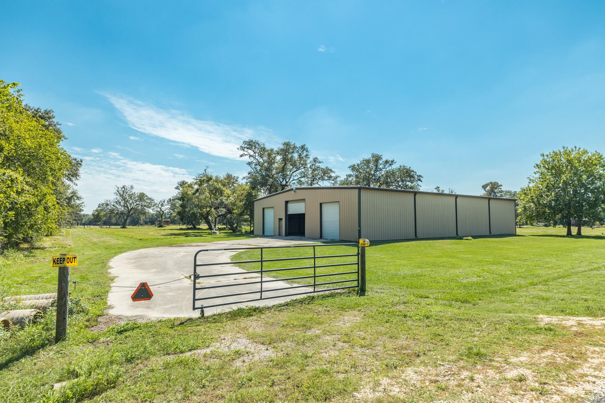10335 County Road 505 Property Photo - Sweeny, TX real estate listing