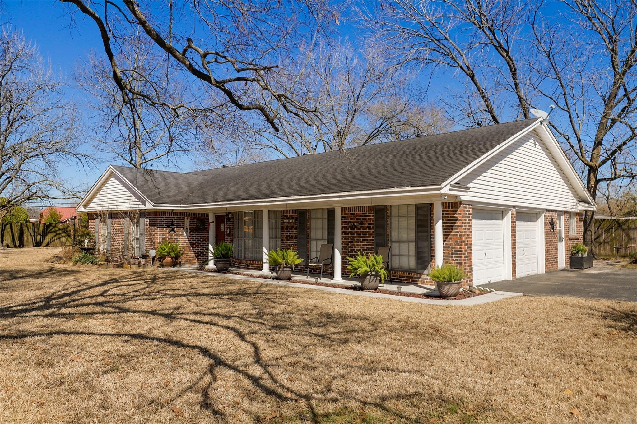 658 W Brentwood Street Property Photo - Channelview, TX real estate listing