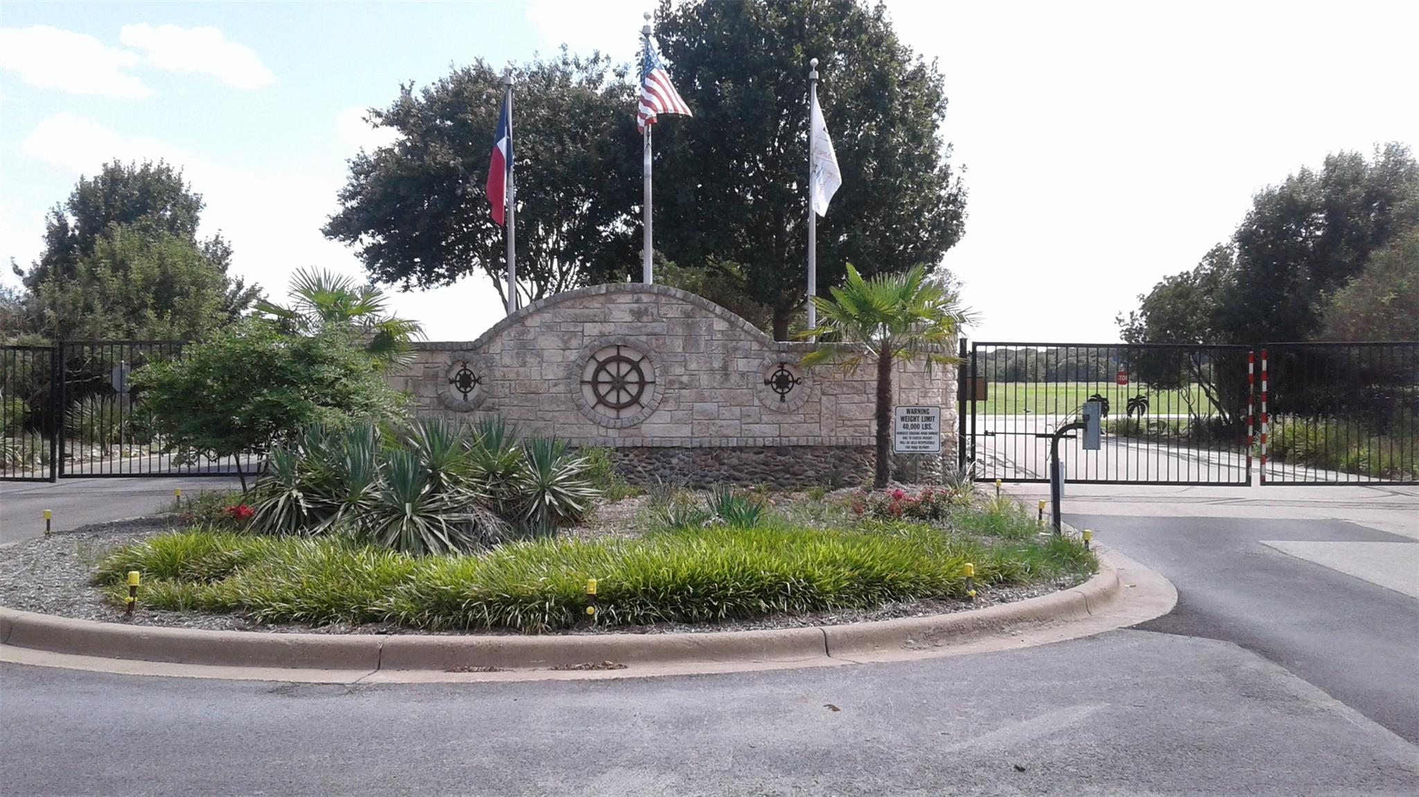 83 Clubhouse Drive Property Photo - Corsicana, TX real estate listing