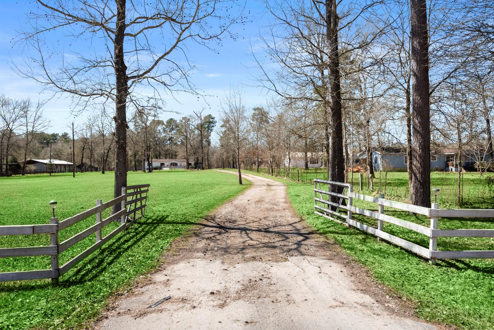 18528 Fm 1485 Road Property Photo 1