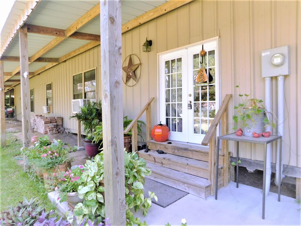 722 Spanish Oaks Lane, Van Vleck, TX 77482 - Van Vleck, TX real estate listing