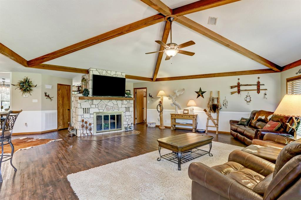 155 Oakwoods Drive Property Photo
