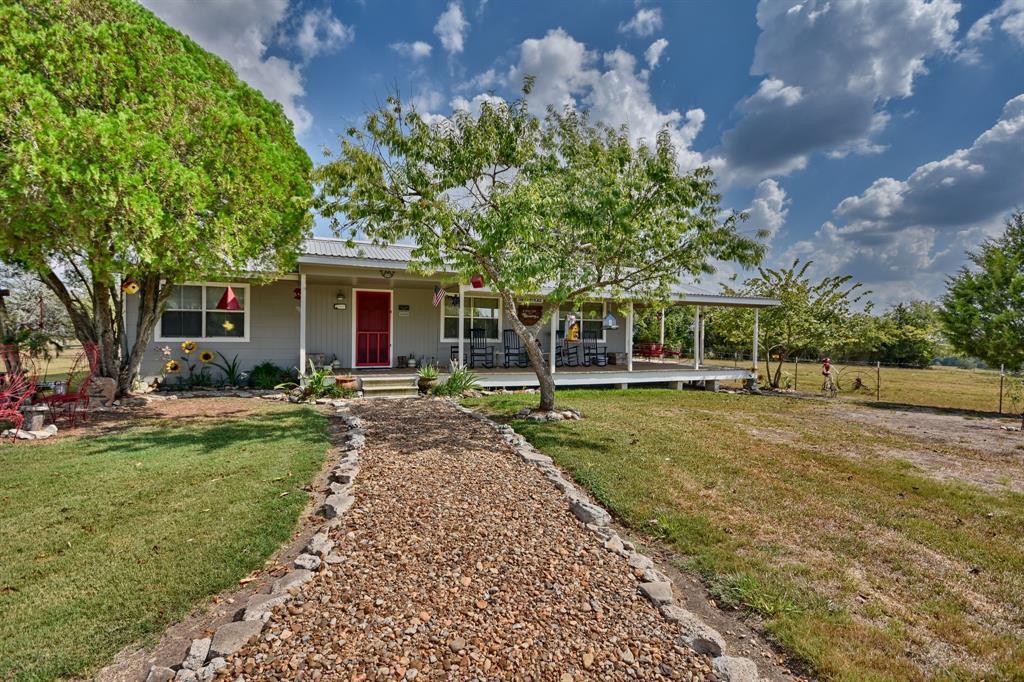 5755 Skull Creek Road Property Photo - Fayetteville, TX real estate listing
