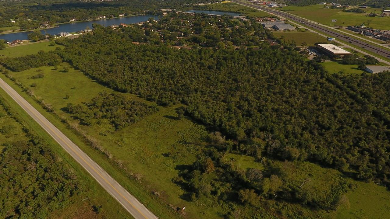 00 Monticello Property Photo - Texas City, TX real estate listing