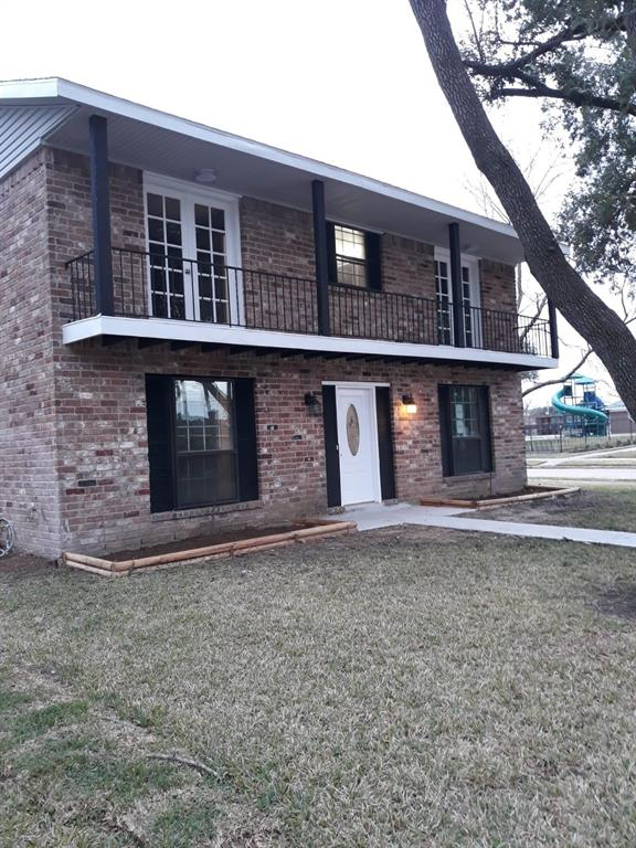 11943 Dorrance Lane, Meadows Place, TX 77477 - Meadows Place, TX real estate listing