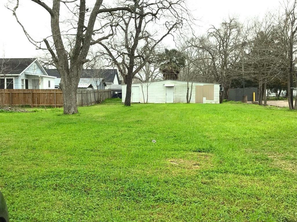 2420 N Richmond Road Property Photo - Wharton, TX real estate listing