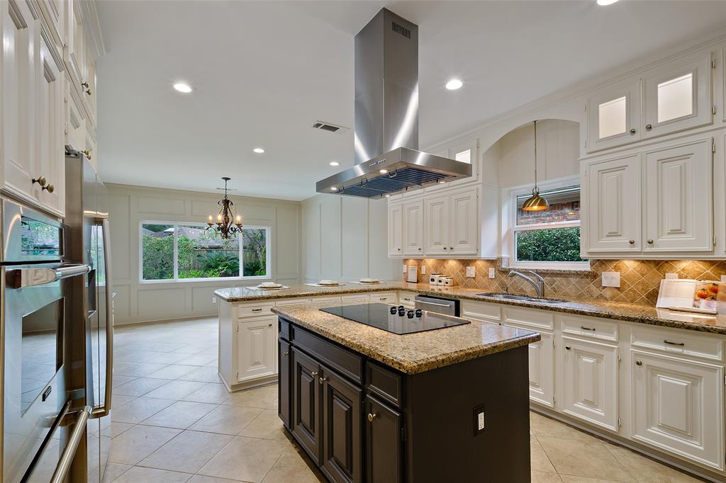 1315 Sugar Creek Boulevard Property Photo - Sugar Land, TX real estate listing