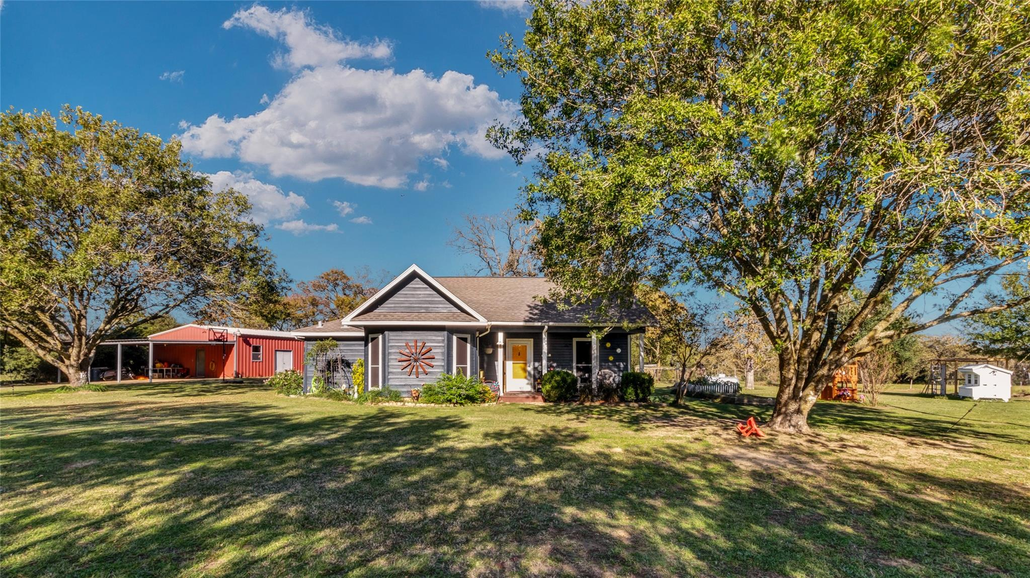 2905 County Road 379 Property Photo - Jewett, TX real estate listing