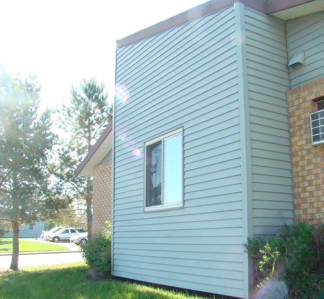 1017 Meadows Drive Property Photo - Dickinson, ND real estate listing