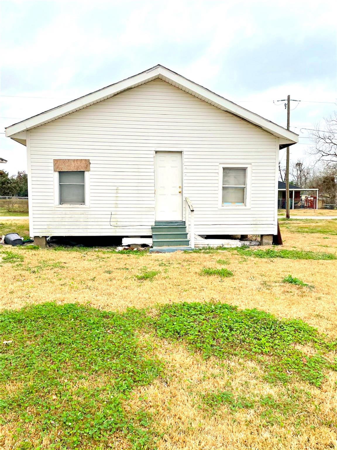 885 Powell Property Photo
