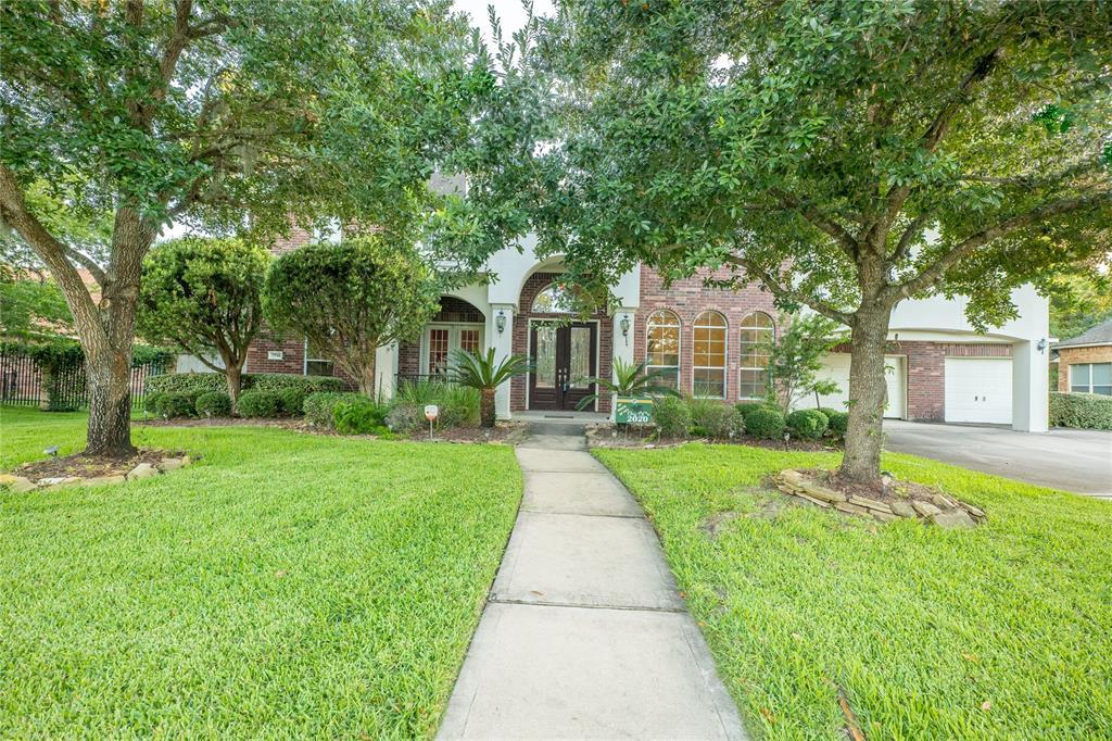 7714 Long Shadows Drive Property Photo - Sugar Land, TX real estate listing