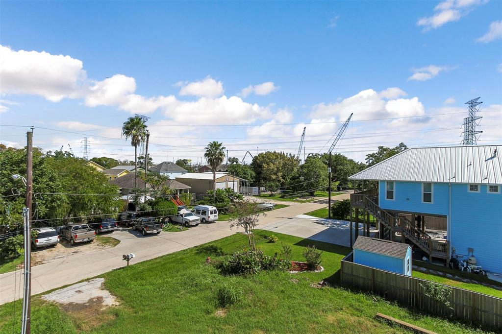 80 W 7th Street, Kemah, TX 77565 - Kemah, TX real estate listing