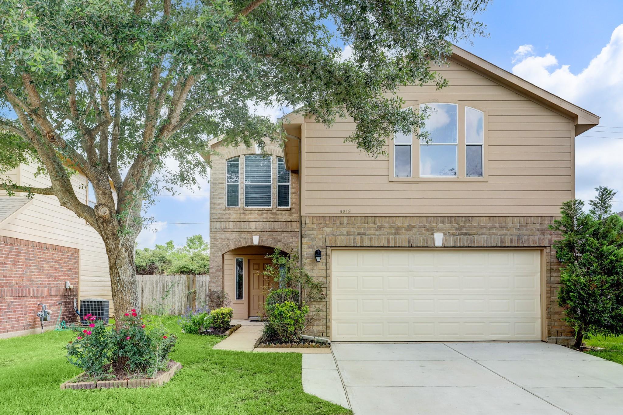 3815 Mistissin Lane Property Photo