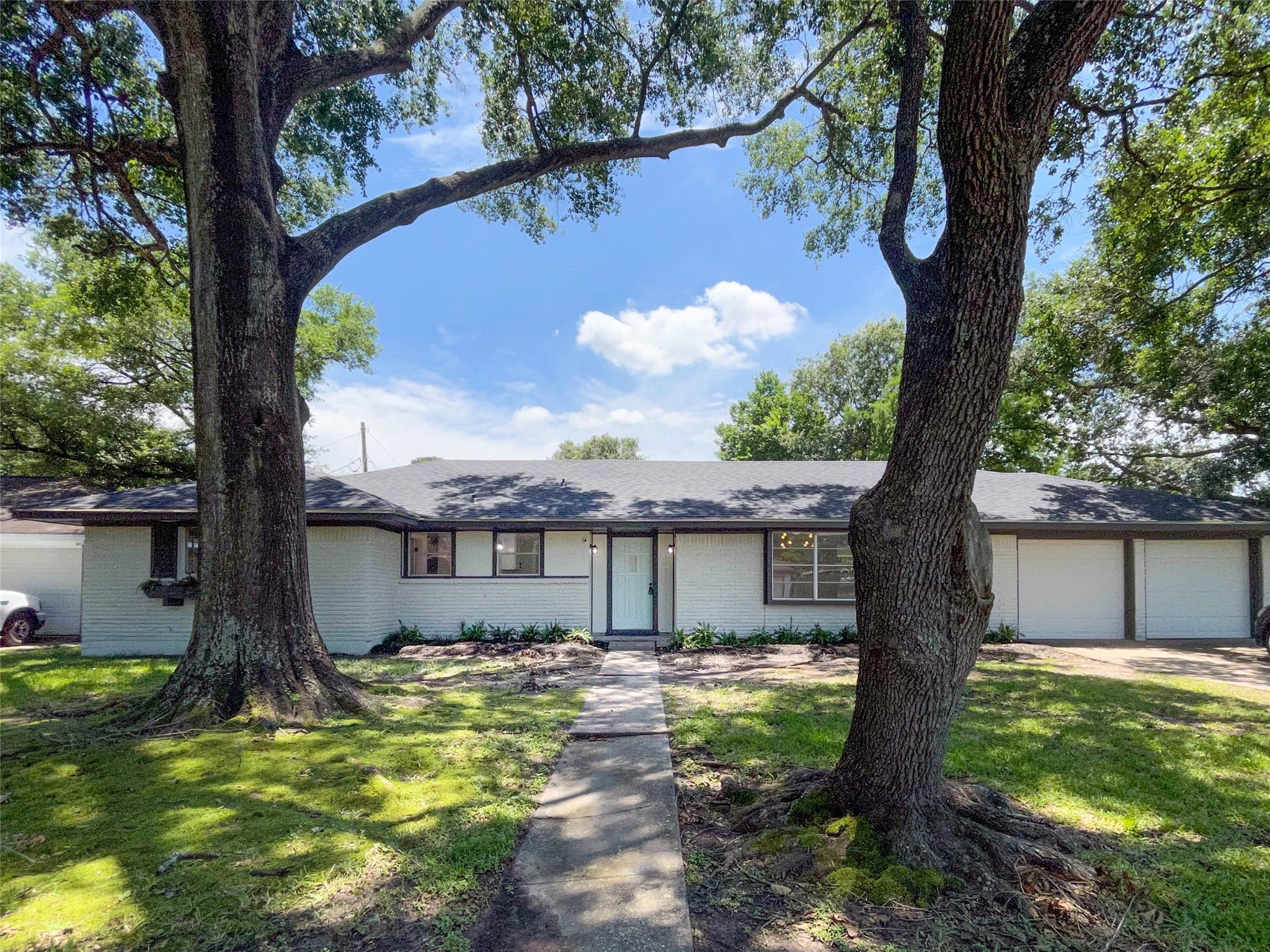 5402 Willow Creek Way Property Photo