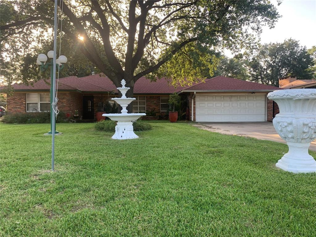 1126 Westmont Drive Property Photo - Houston, TX real estate listing