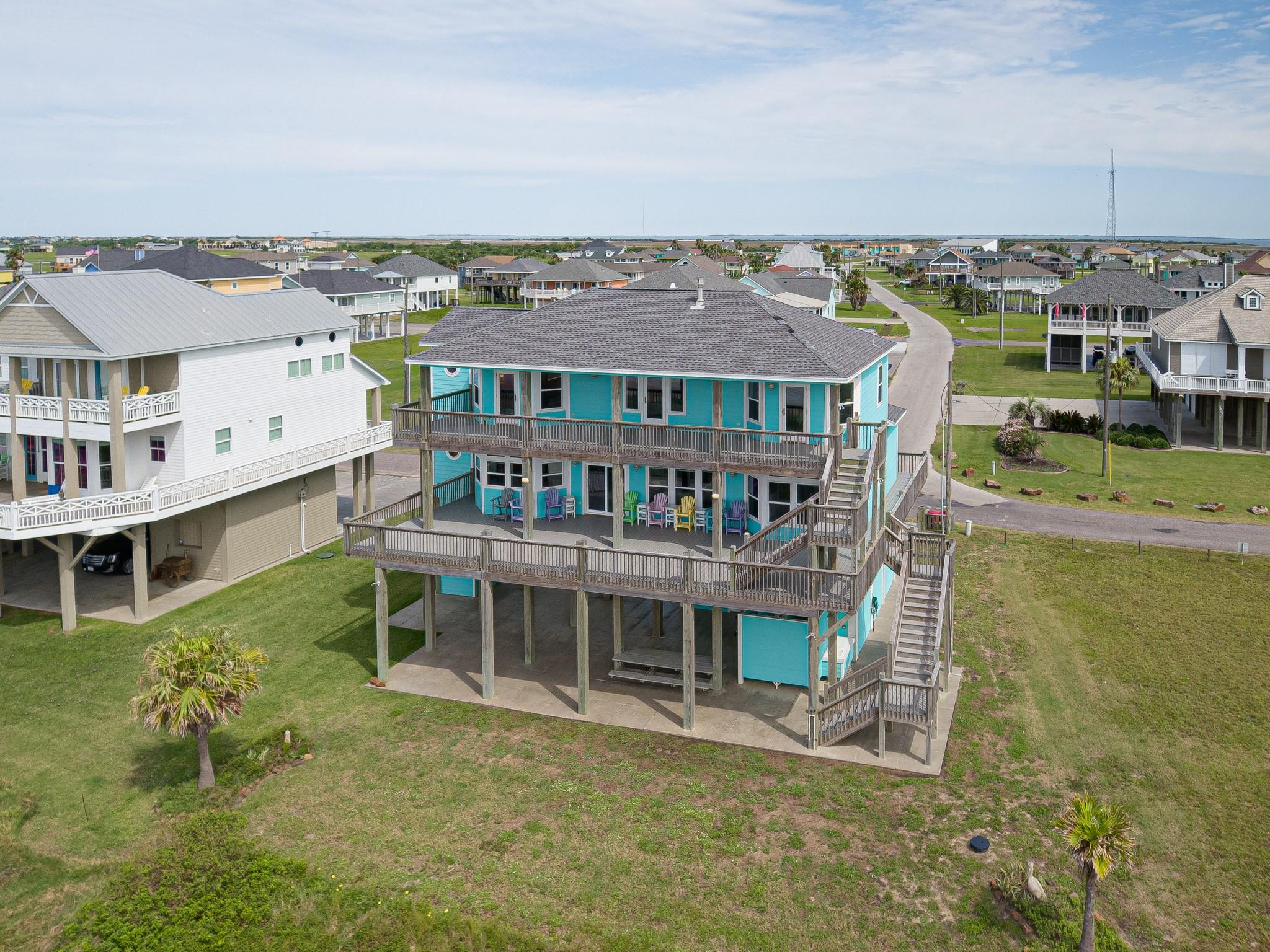 2396 Sand Drift Lane Property Photo - Crystal Beach, TX real estate listing