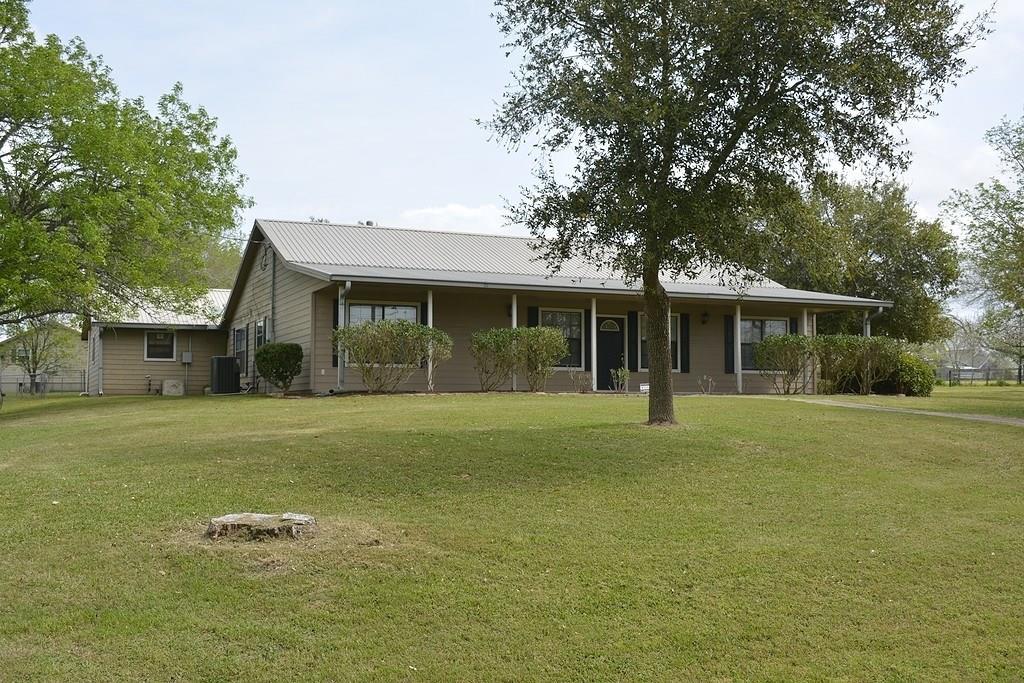 Ellinger Real Estate Listings Main Image