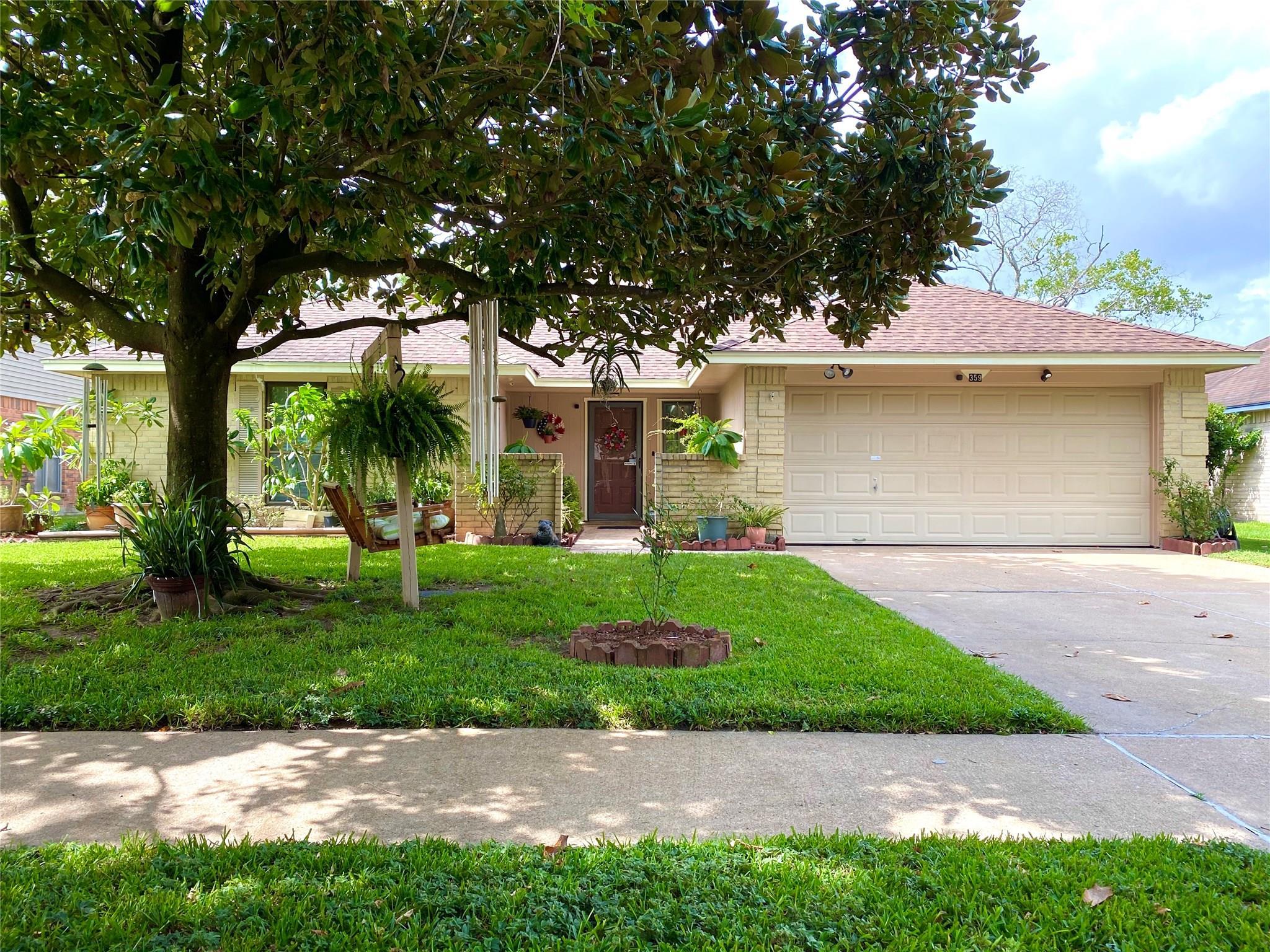 359 Elder Vista Drive Property Photo - Houston, TX real estate listing