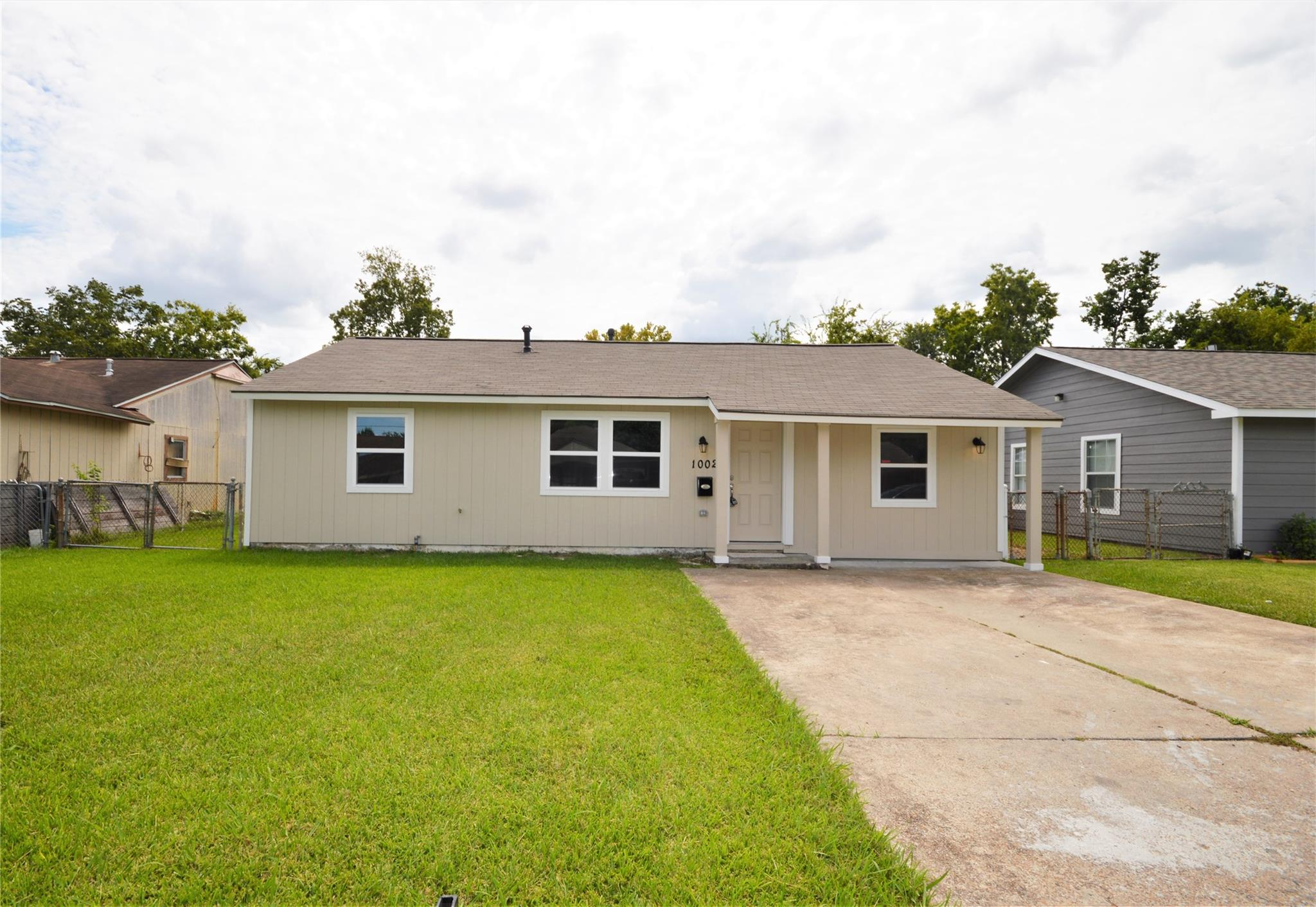 1002 Longley Street Property Photo - South Houston, TX real estate listing