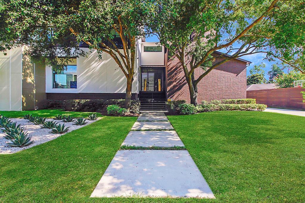 5146 Braesheather Drive Property Photo - Houston, TX real estate listing