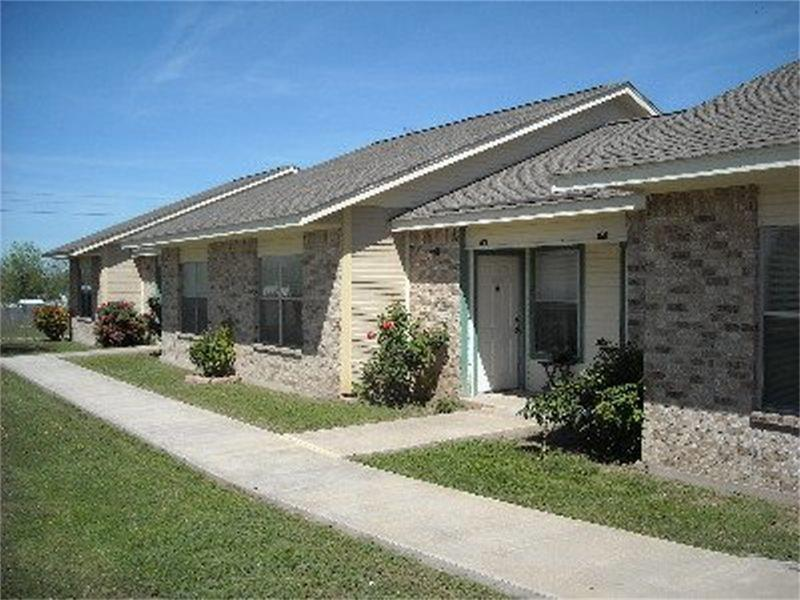 403 Mesquite Property Photo - Menard, TX real estate listing
