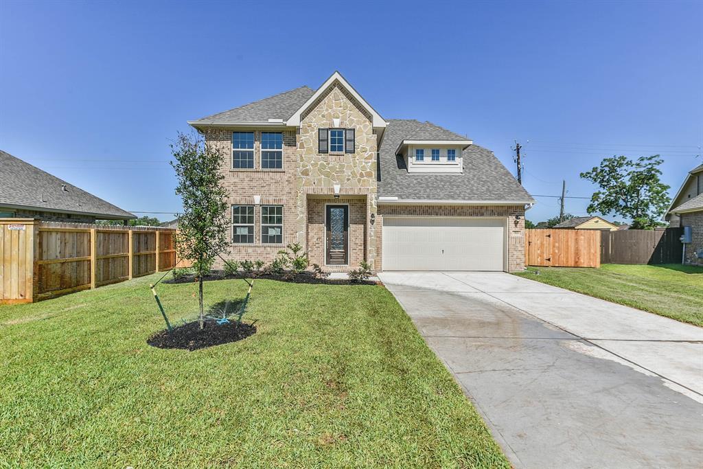 713 Burr Oak Property Photo - Richwood, TX real estate listing