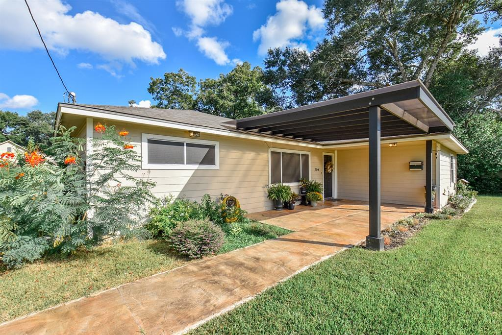 504 Avenue F, El Campo, TX 77437 - El Campo, TX real estate listing