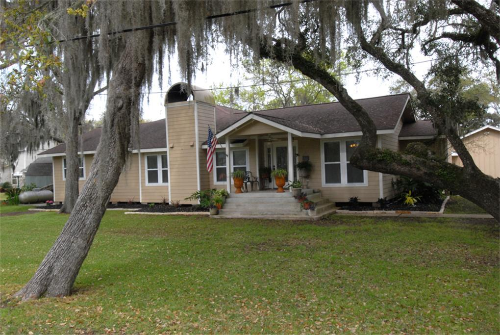 219 PR 652 Live Oak Bend Property Photo - Sargent, TX real estate listing