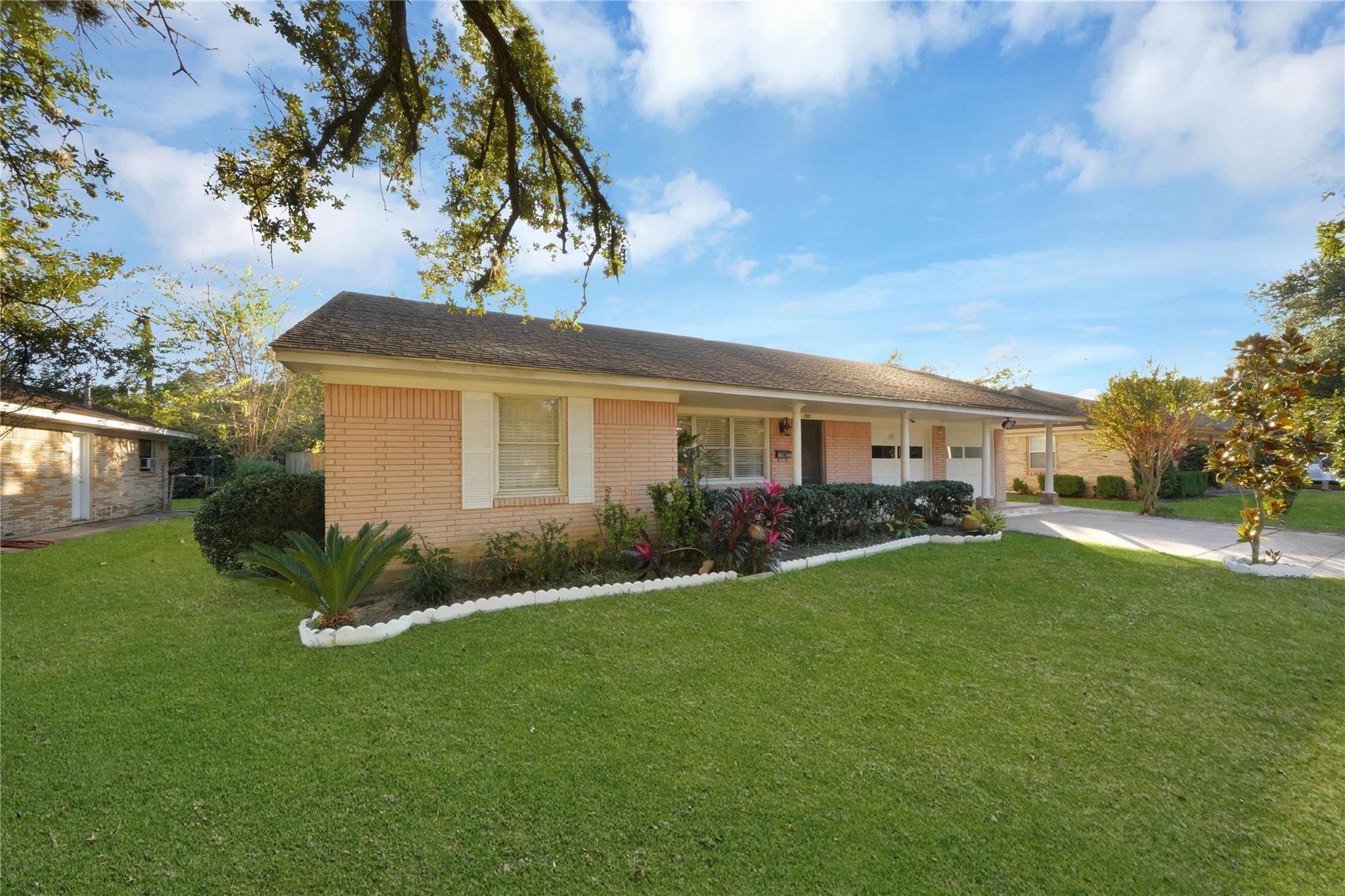 707 Dunwick Lane Property Photo - Pasadena, TX real estate listing