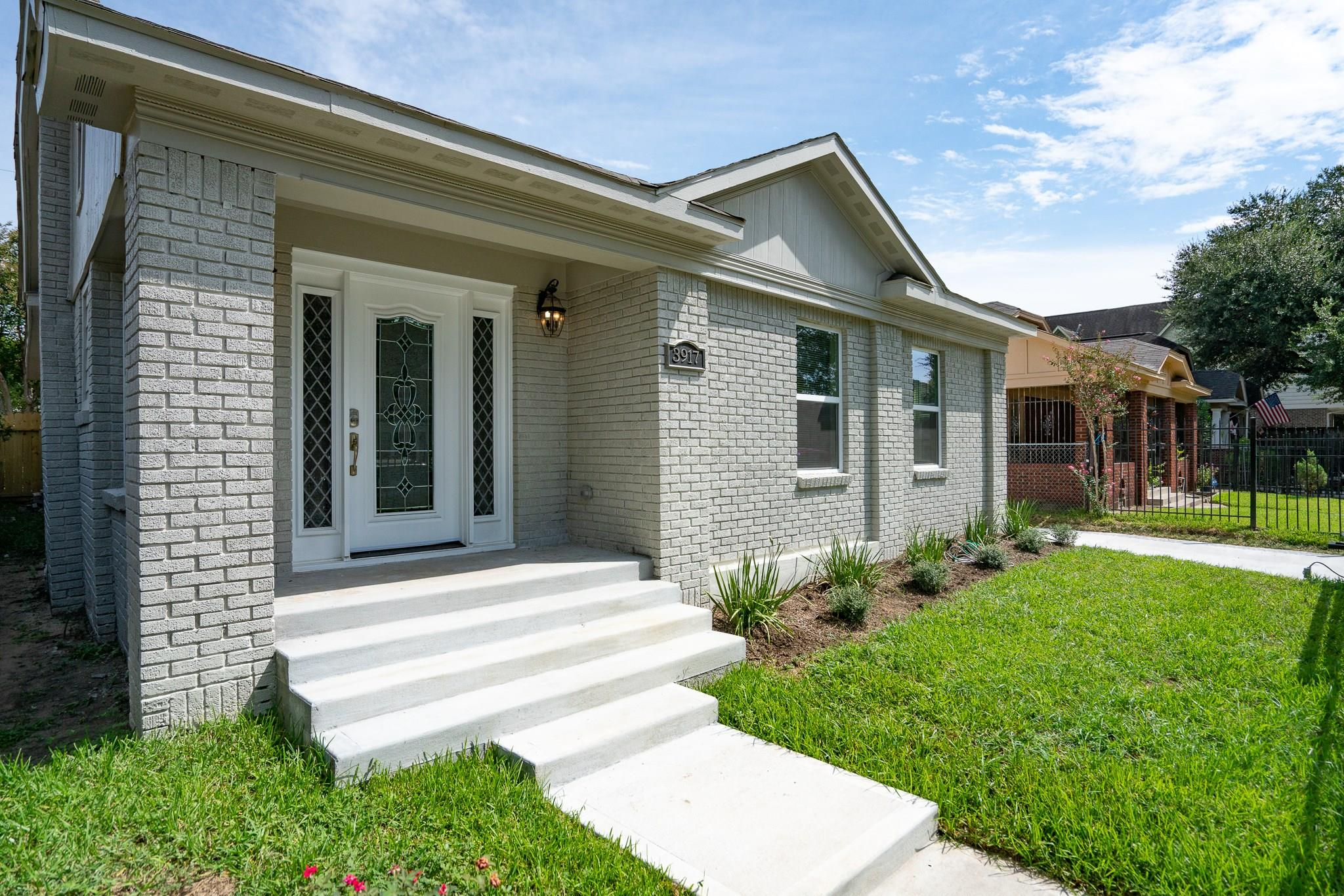3917 Dallas Street Property Photo - Houston, TX real estate listing