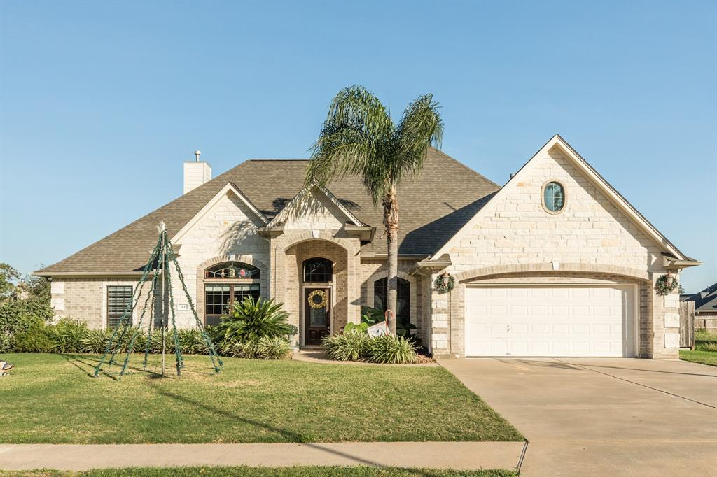 112 Pintail Drive, Clute, TX 77531 - Clute, TX real estate listing