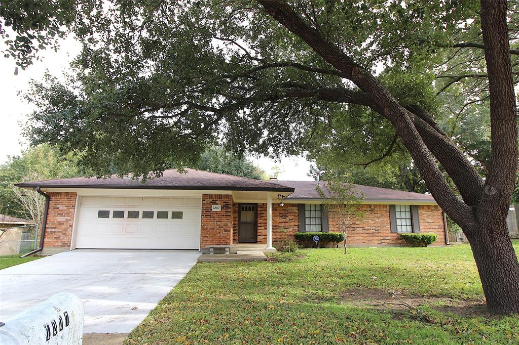 1207 Kori Lane, Brenham, TX 77833 - Brenham, TX real estate listing