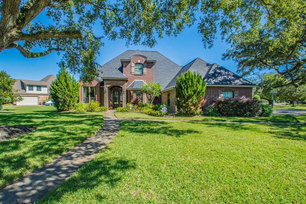 1004 Heritage Oaks Drive, Angleton, TX 77515 - Angleton, TX real estate listing