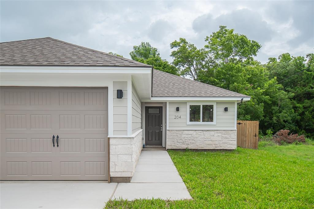 204 Apple Street, Bryan, TX 77803 - Bryan, TX real estate listing