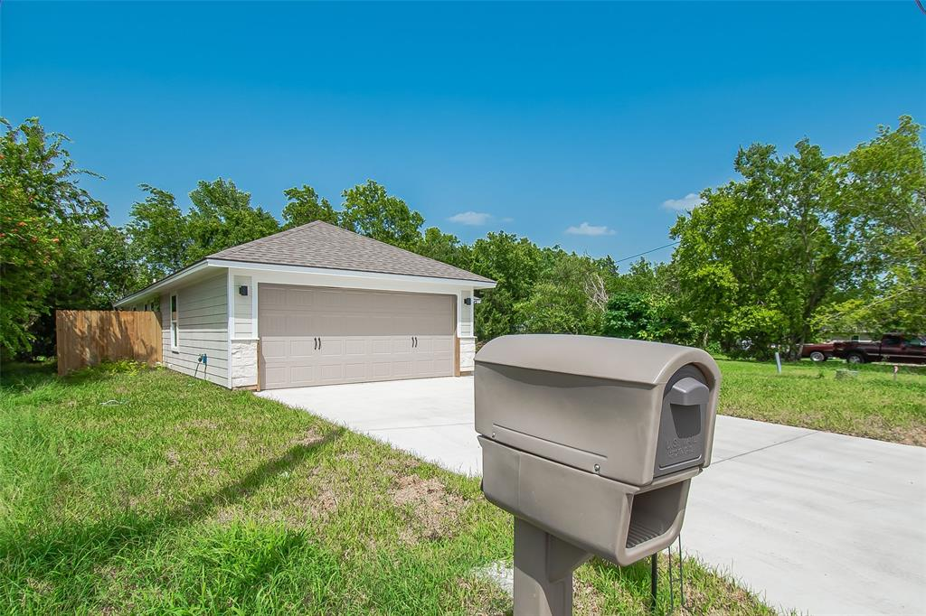 204 Apple Street Property Photo - Bryan, TX real estate listing