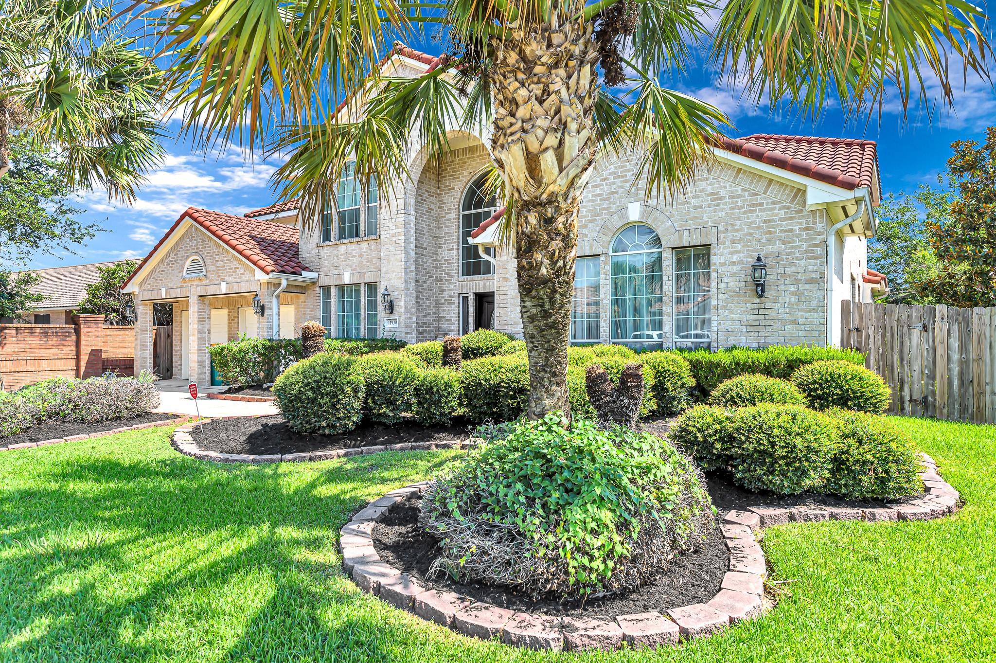11930 Palmetto Shores Drive Property Photo