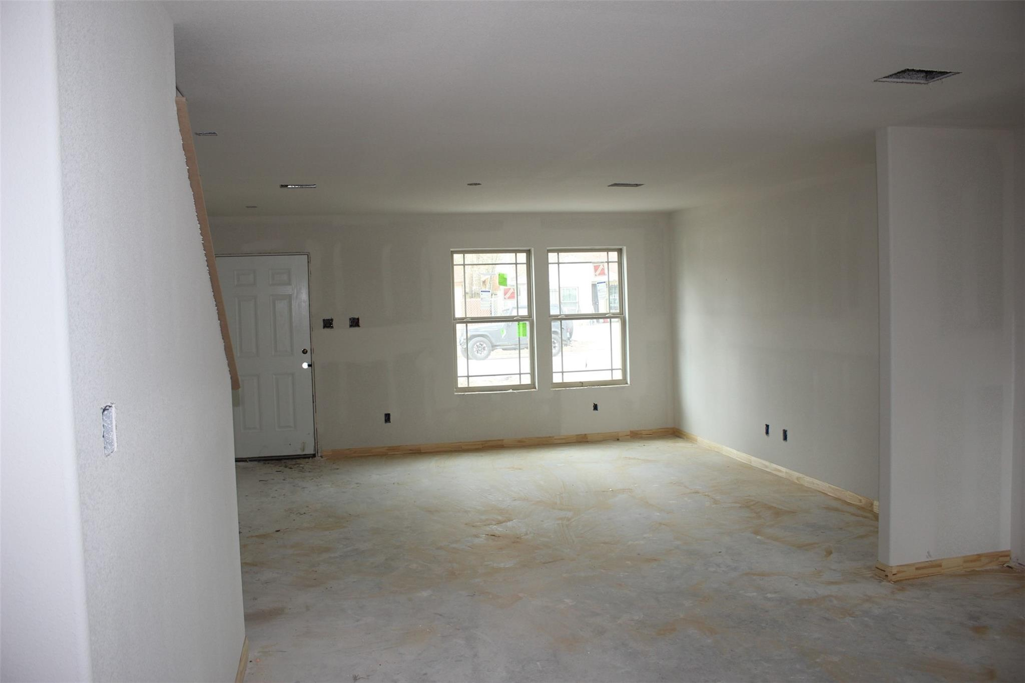 5506 Chennault Property Photo