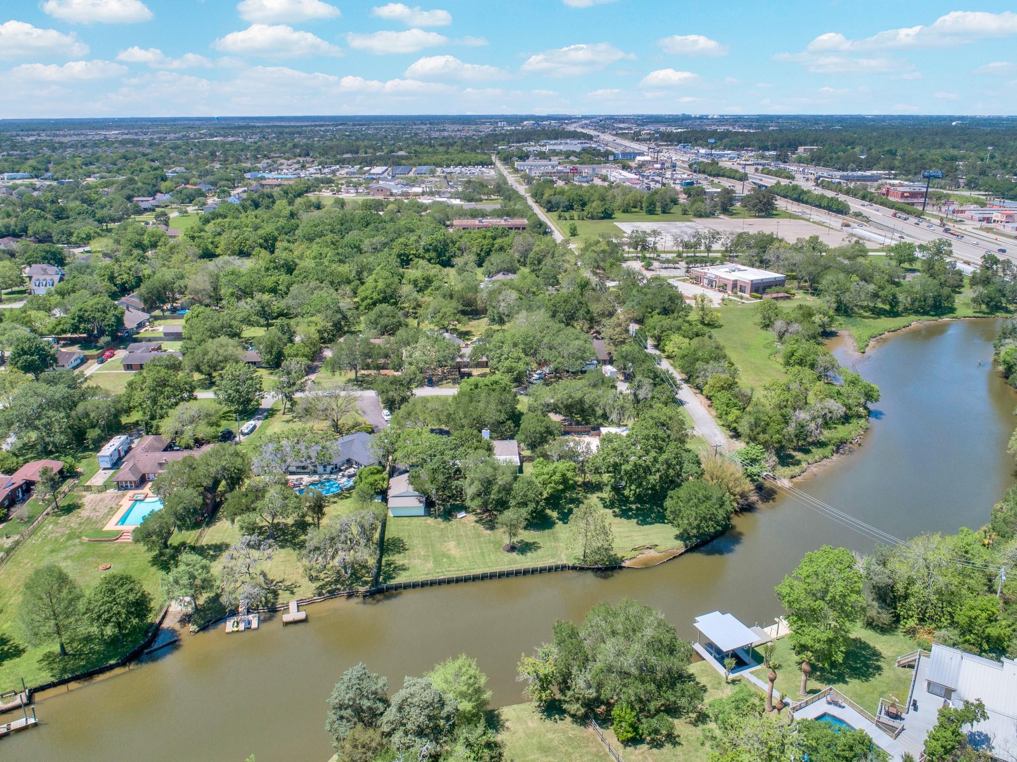 205 W Bayou Drive Property Photo - Dickinson, TX real estate listing