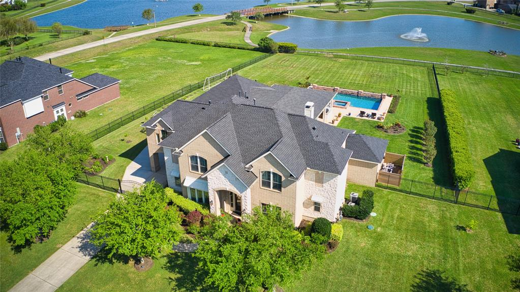 3937 Lake Star Drive Property Photo - League City, TX real estate listing