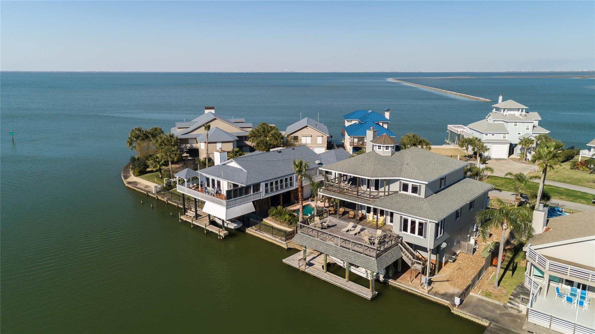 4115 W Bayside Way Property Photo - Jamaica Beach, TX real estate listing