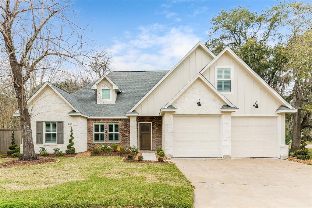 237 Any Way Street, Lake Jackson, TX 77566 - Lake Jackson, TX real estate listing