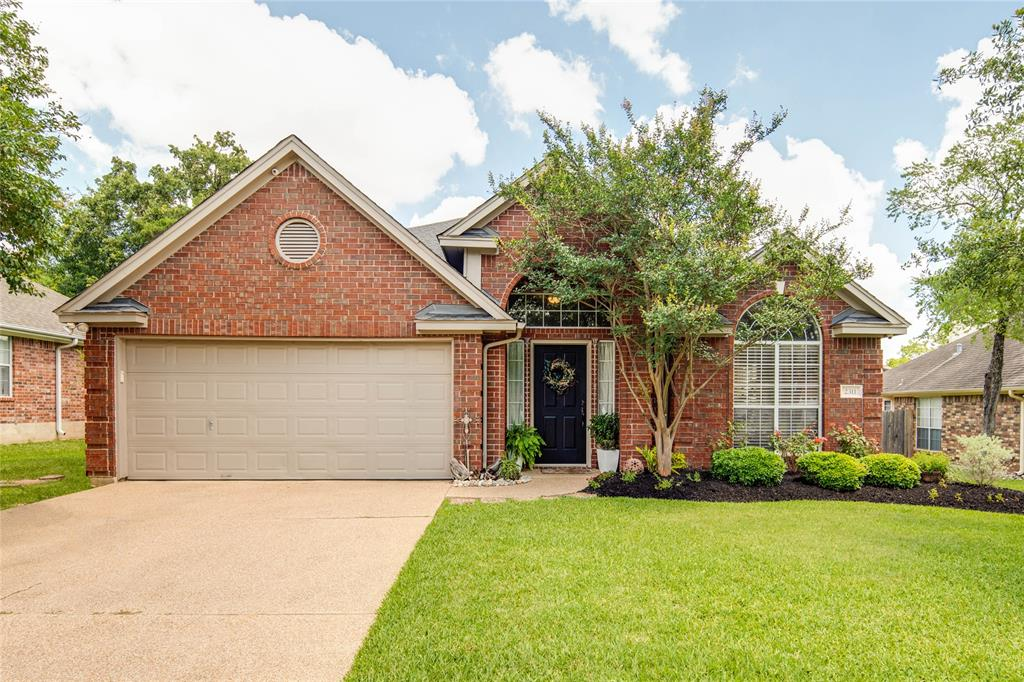 2311 S Pioneer Trail Property Photo - Bryan, TX real estate listing