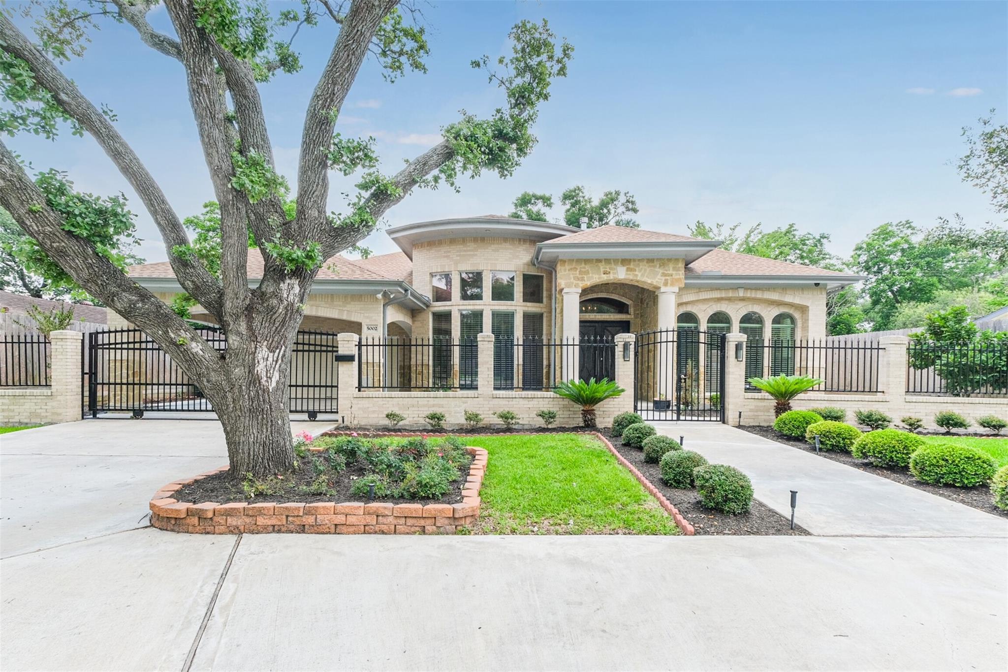 5002 Willowbend Boulevard Property Photo