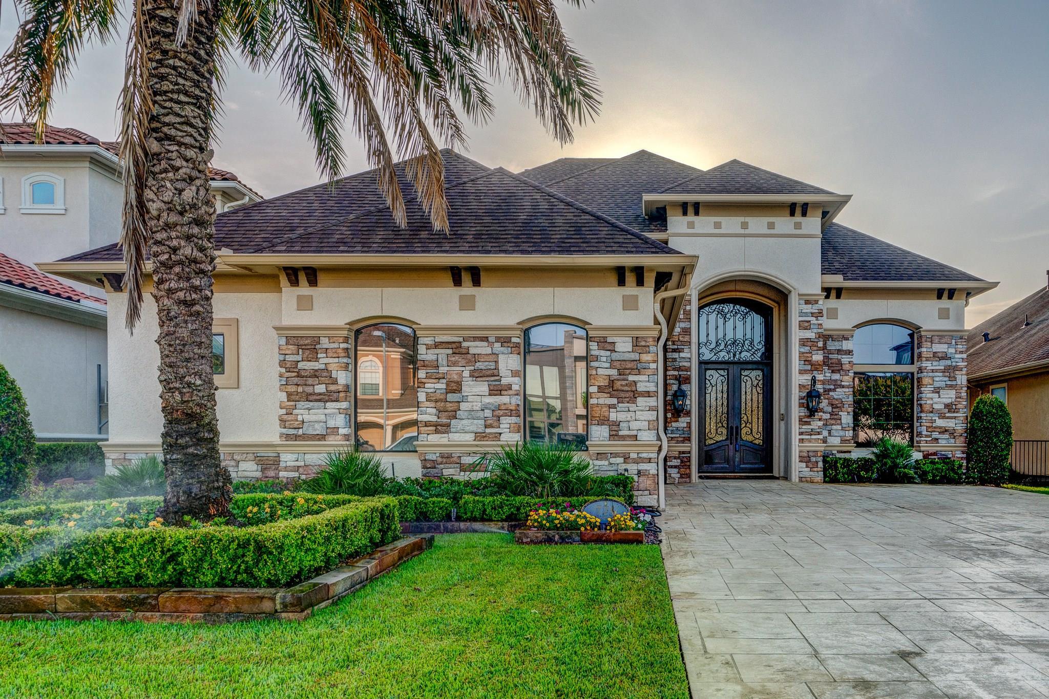 724 Pegasus Lane Property Photo - League City, TX real estate listing