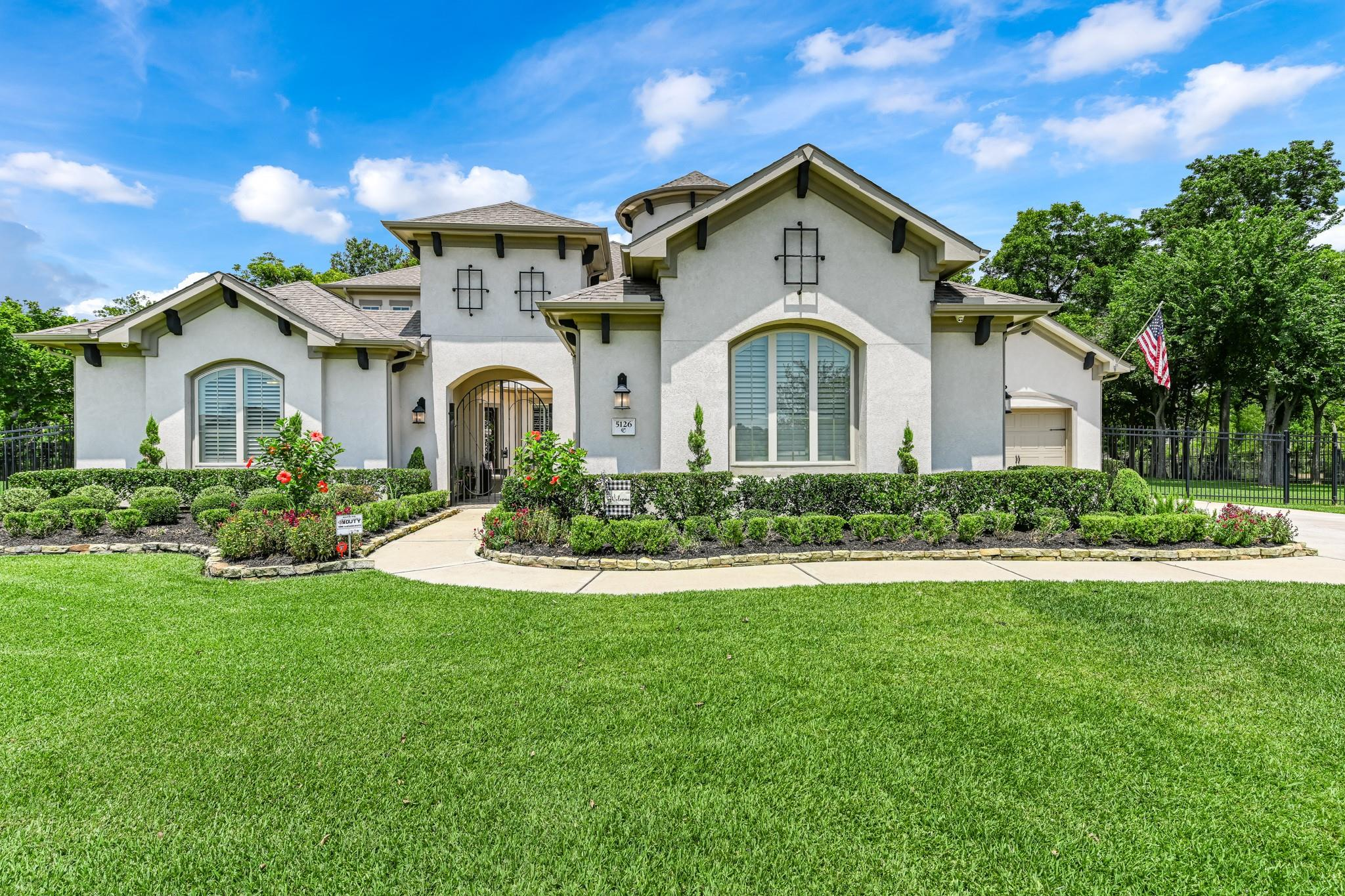 5126 Beekman Drive Property Photo