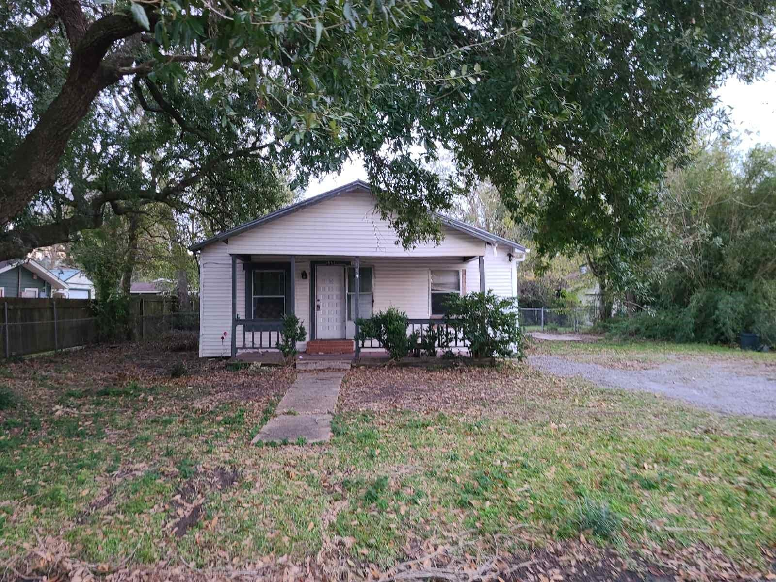 139 9th Ave Property Photo - Nederland, TX real estate listing